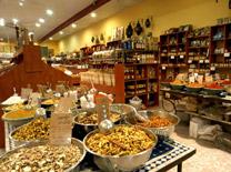 לגעת באוכל: כלים, חומרים וסדנאות בישול