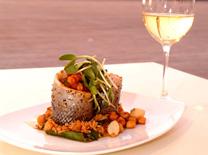 מסעדה על הים: יוליה בנמל תל אביב