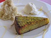 עוגה ללא גלוטן בבית הקפה הצמחוני מזה