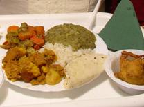 אוכל הודי מסורתי במסעדת הבית הפתוח לתרבות הודו