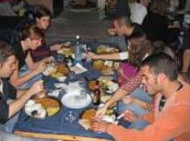 טאלי הודי צמחוני אמיתי במסעדת 24 רופי
