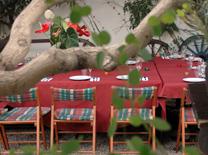 מסעדה המגישה את תבשילי הבית בפויקה מהבילה