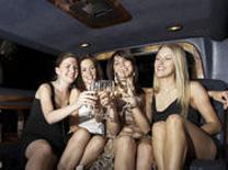 כ-300  ₪ לבקבוק שמפניה איכותית