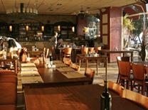 מסעדה על הטיילת של נתניה. מסעדת היקב