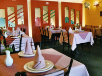 מסעדה הודית מסורתית בהרצליה. קארי פאלאס