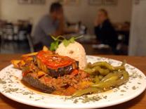 מוסקה במסעדת גפן. תבשיל מהמטבח הטורקי