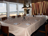 לה רג'אנס, מסעדה מול הים