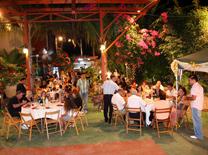מסעדה וגם גן אירועים
