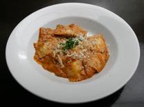 מסעדה של אוכל איטלקי ובשר