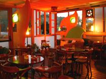 חיפושית בקפה: בית קפה חיפאי