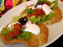 אוכל על בסיס טורטיות במסעדת קבלרוס