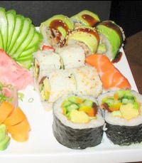 מסעדה עם תפריט סושי נרחב