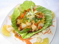 תפריט יפני, תאילנדי, ובר פירות ים. מסעדת ליצ'י