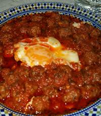 תבשילי טאג'ין במסעדה בעיר פאס