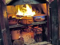 תבשילי קדירה ומנות עונתיות בבקתות בערפל