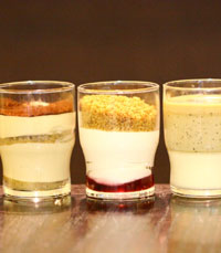 """""""טירמיסו המכיל שכבות של קרם גבינה מתוק ומענג"""""""