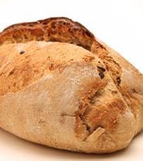 ניתן לרכוש לחמים בחנות המסעדה. לחם ארז