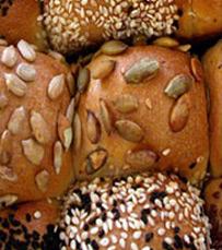 לחם זיתים, שיפון אגוזים וצימוקים, לחם אורגני ועוד