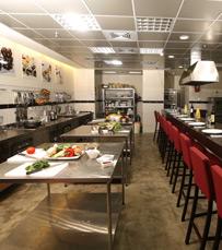 סדנאות בישול חוויתיות בסניפי רשת לגעת באוכל