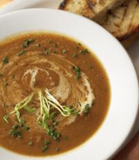מרק שעועית ובשר, ירקות כתומים, או ציזיקי