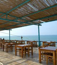 מסעדת דגים נהדרת, על הים. באבאי