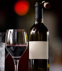 בית פתוח הכולל 36 יינות מ-12 יקבים בארץ
