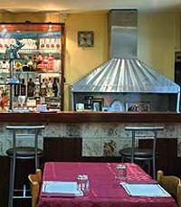 השפה השלטת והעיצוב במסעדה הם הודים פר אקסלנס