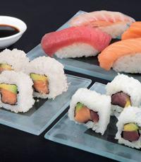 בפיקנסין מגוון אוכל  סיני, יפני ותאילנדי