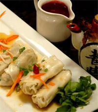 """""""מה שכיף בארוחה סינית הוא סגנון האכילה המשותף"""""""