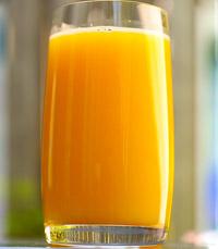 """""""קיבלנו שתינו מיץ תפוזים טרי טרי שנסחט במקום"""""""