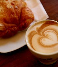 מבחר ארוחות בוקר, קישים וכמובן קפה משובח