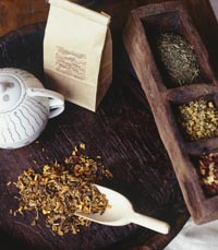 קנקן תה עם סוגי חליטות