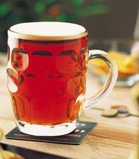 כוס בירה צוננת מהחבית