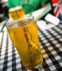 הבירה מגיעה עם שובל קצף