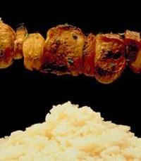 שיפודים, קובה עם בשר, חומוס איכותי