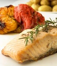 כבד  קצוץ, כיסוני בשר מעוטר בטבעות בצל, דג פילה