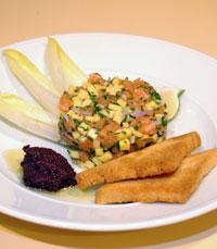 ירקות בליווי לחם וממרחים