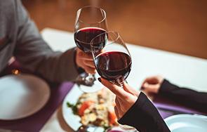 """יינות מומלצים לט""""ו באב"""
