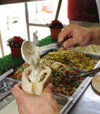אבן המחלוקת - הפלאפל - החג של החגים חיפה