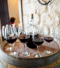 רק בשר עם כוס יין טוב - רק בשר חיפה
