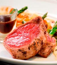 ארוחה ישראלית אמתית במסעדה