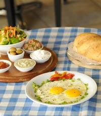 טעם הגולן: בית קפה ומסעדה חלבית