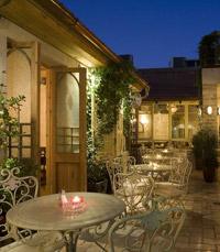 החצר של דלאל - מסעדות יפות בתל אביב