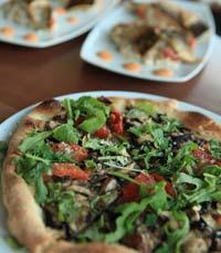 פיצריות בתל אביב - לא סתם פיצה