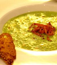 מרק אפונה עם חזה אווז מעושן - אוליב ליף - מתכונים למרק