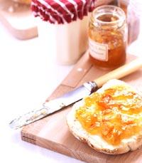 לחם עם ריבה במקום  קרואסון - תפריט מופחת קלוריות