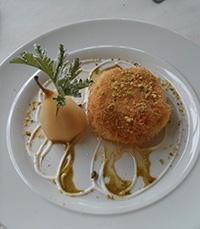 גבינת עיזים עטופה בשערות קדאיף