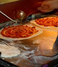 פיצה פונגי היישר מהתנור, קפה יפו