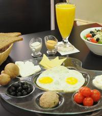 ארוחת בוקר בקורטוש קולאץ' חיפה