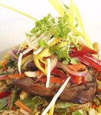 מגוון ירקות במטבח של מסעדת צ'אנג סינג, נתניה
